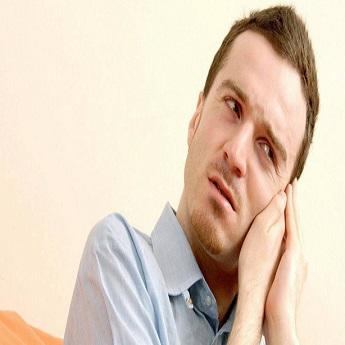 耳朵里疼痛难耐,到底是什么惹的祸?